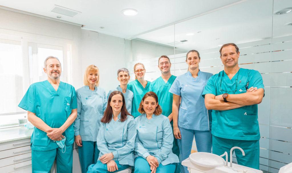 equipo dentista cliredent