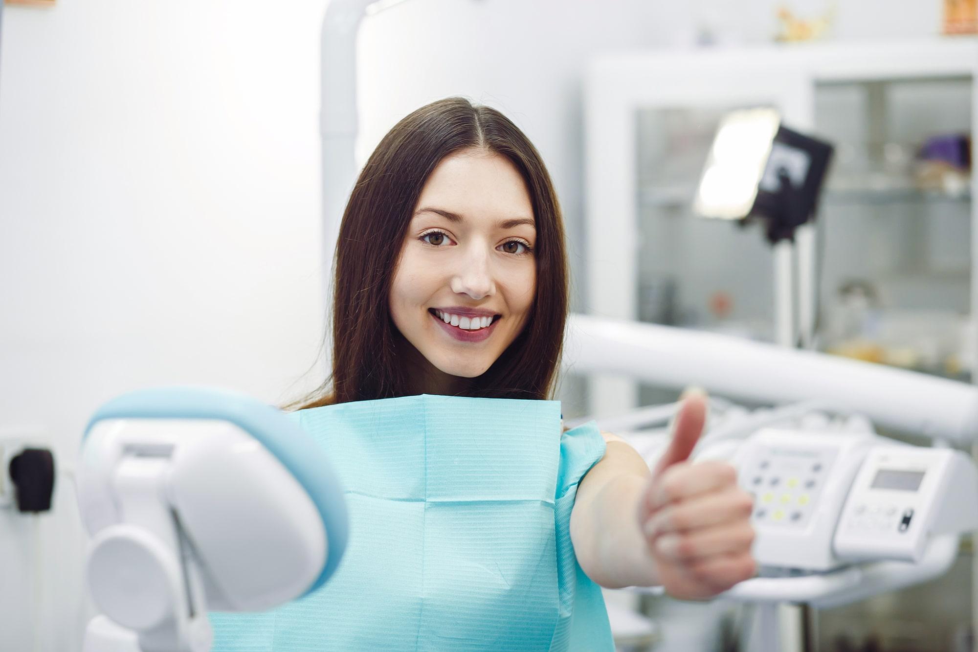 Tratamiento de sonrisa gingival con ácido hialurónico
